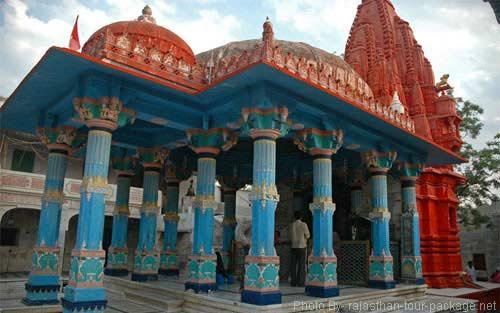 Brahma Temple, Puskar